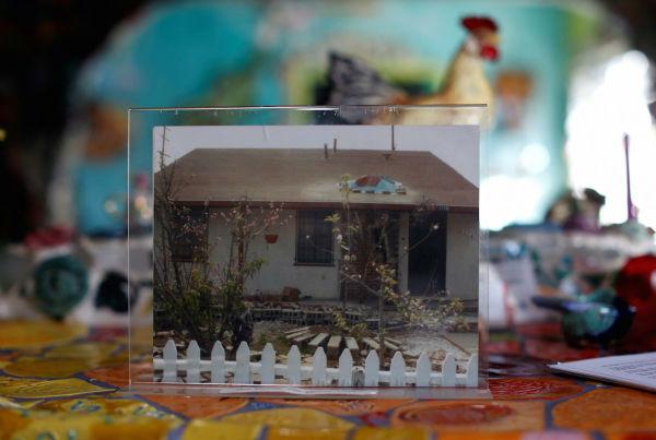 تصویری که مشاهده می کنید، به سال ها پیش تعلق دارد؛ زمانی که این خانه هنوز به اثری هنری تبدیل نشده بود