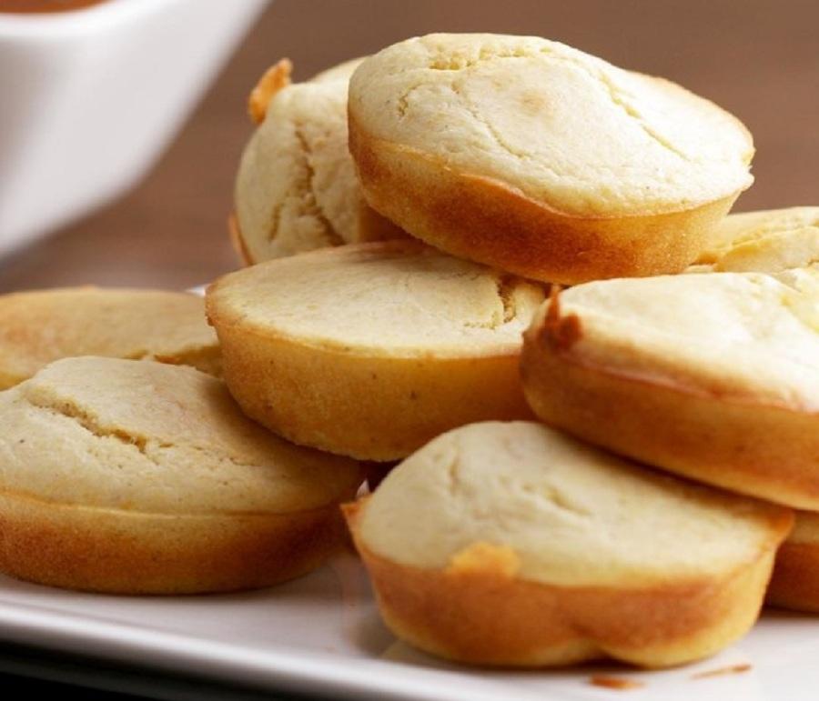 خوشمزه روز: نان ذرت با مغز موزارلا [تماشا کنید]