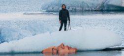 هنرمندی که پرتره هایی خارق العاده را روی یخ ها خلق می کند و ساعاتی بعد اثری از آنها باقی نمی ماند