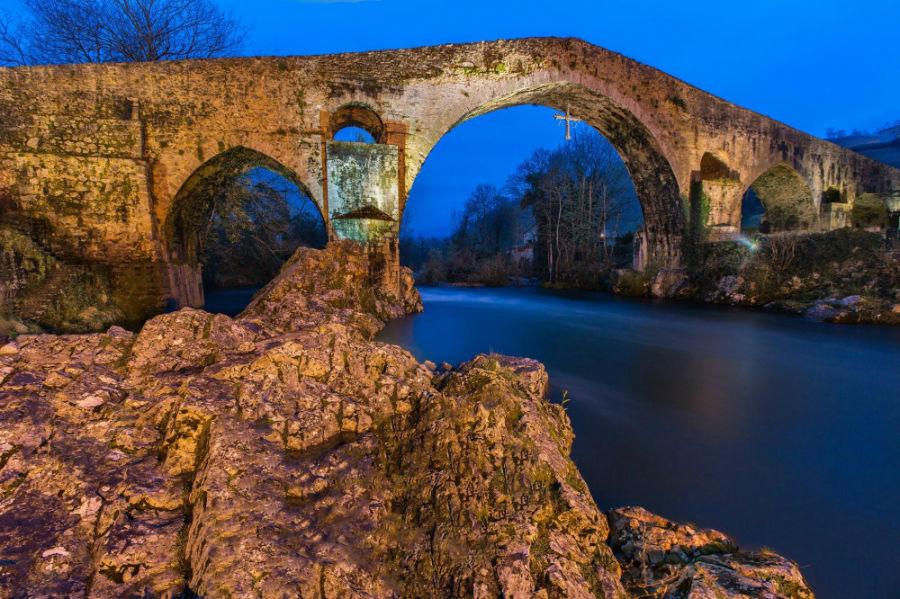 پل رومی Cangas de Onís، اسپانیا