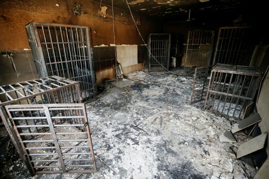 سلول های سوخته شده زندان که به نیروهای داعش تعلق داشته پس از بازپس گیری آنها توسط نیروی ارتش عراق