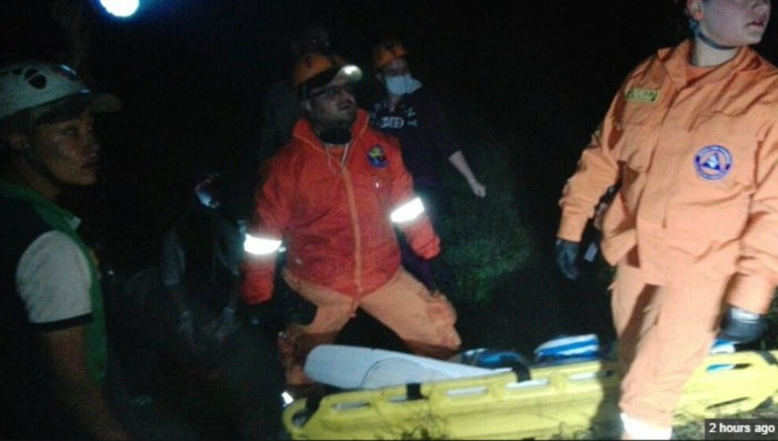 3ad8344d00000578-3980974-rescuers_have_faced_difficulty_reaching_the_remote_crash_sites_w-a-35_1480408091004-w700