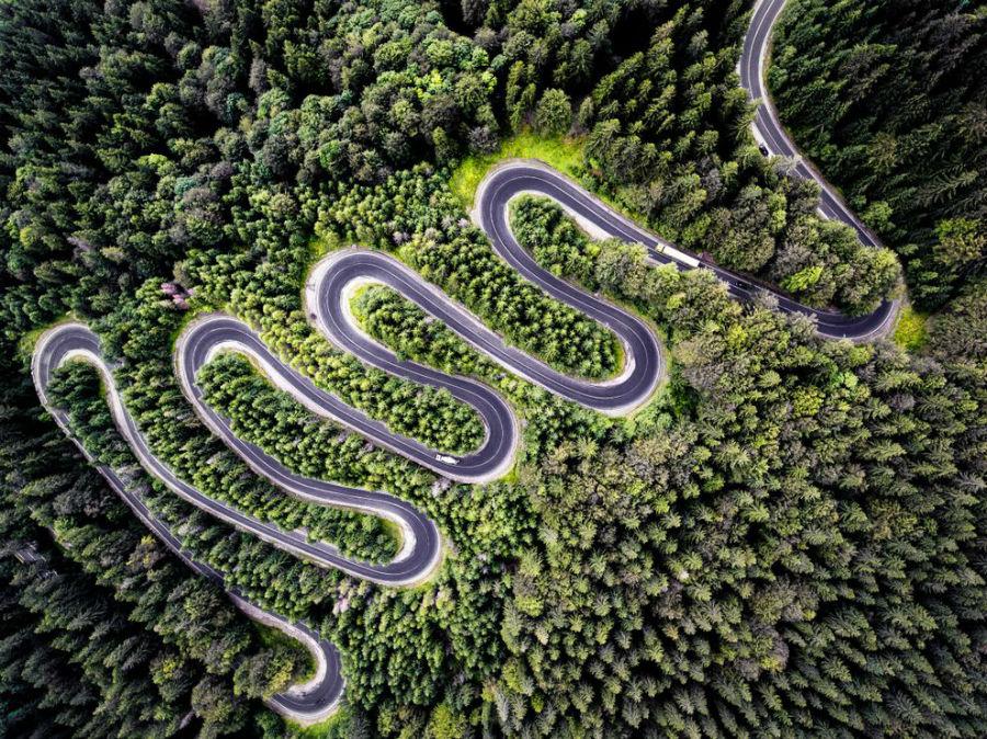 ثبت زیبائی های طبیعت و جاده Cheia (DN1A) در رومانی که به ترنسیلوانیا منتهی می شود.