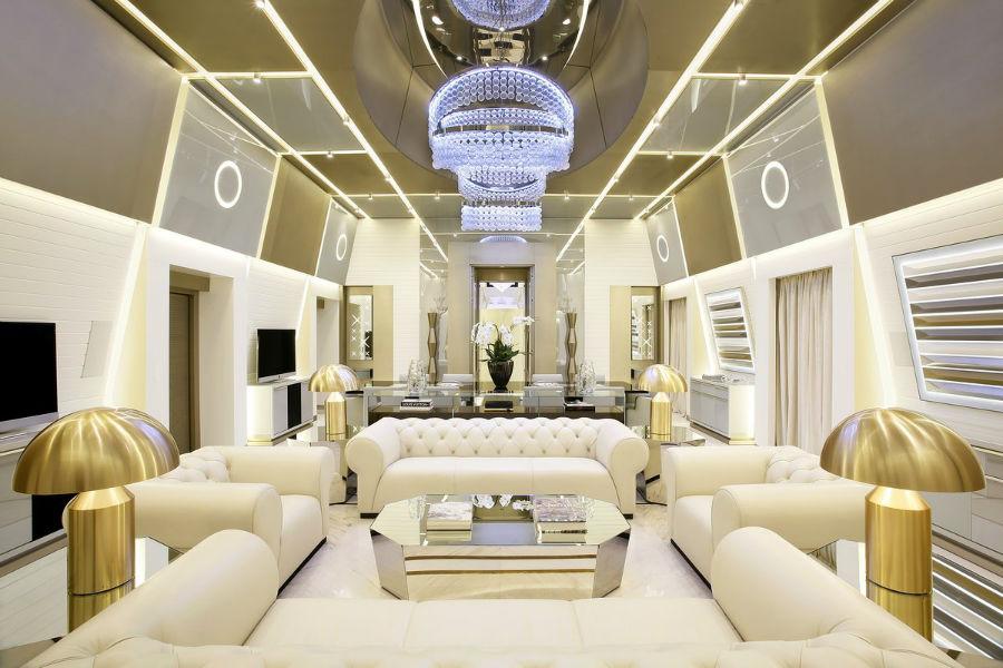 سوئیت Katara یکی از بزرگ ترین اتاق های هتل ها را در ایتالیا دارد که برای خوابیدن 8 نفر کافی است.