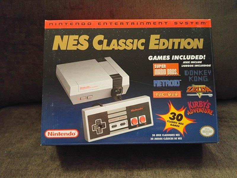 یک دستگاه NES Classic Edition