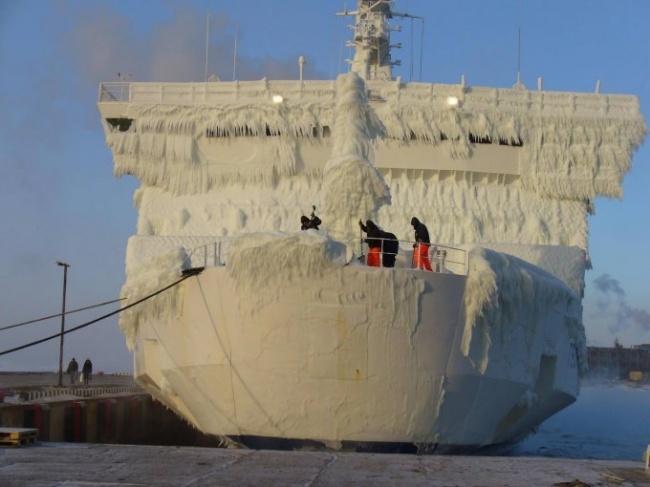 زندگی در کشتی در زمستان