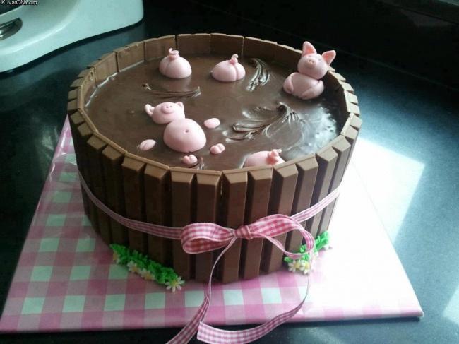 خوک ها در گل