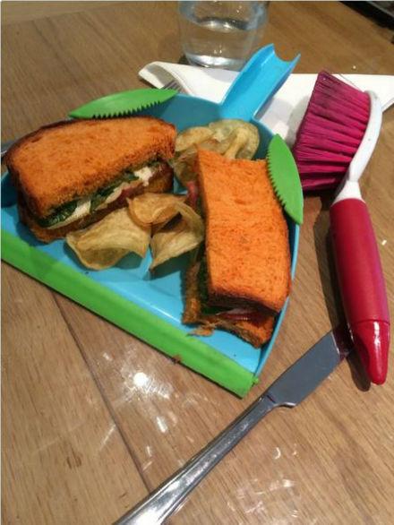 ساندویچ در خاک انداز