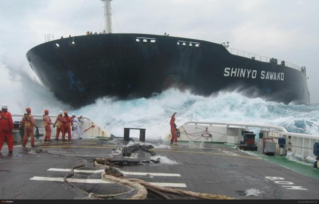 ملوان ها و خدمه کشتی هایی که سفرهای طولانی مدت دارند
