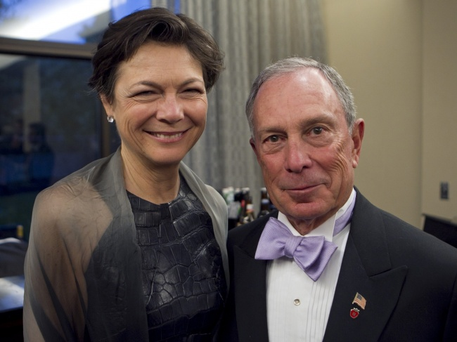 7933860-diana-taylor-and-michael-bloomberg-1478125332-650-565f00d181-1480586564