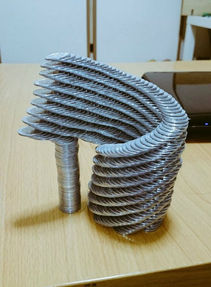 coin-stacking-gravity-thumbtani-japan-13a-w700