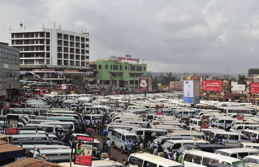 ایستگاه تاکسی در کامپالا - اوگاندا
