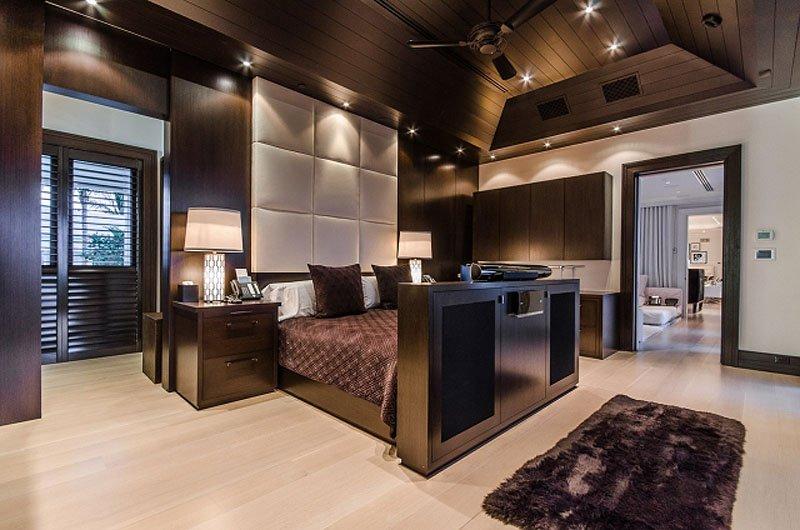 این تصویر یکی از اتاق خواب های مهمان است که با سلیقه زیاد طراحی شده.