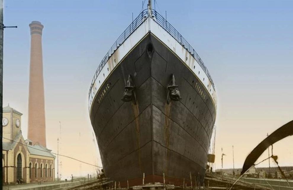 اندازه بسیار بزرگ کشتی ها باعث شد تا شرکت سازنده، 3 اسکله را تخریب کرده و 2 نمونه جدید و متناسب با اندازه تایتانیک و خواهرش، المپیک بسازند.