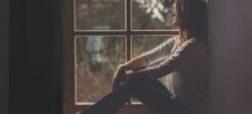 نشانه هایی که از تاثیر منفی تنهایی بر سلامت شما حکایت دارند