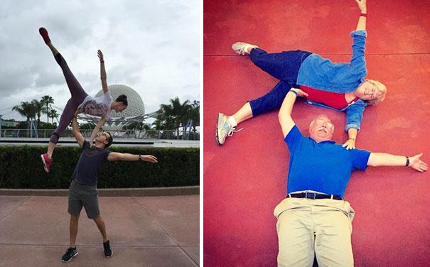 این زوج جوان با هم به دیزنی ورلد رفته و تصویر سمت چپ را برای والدین خود ارسال کرده اند و آن ها هم برای اینکه کم نیاورند، عکس سمت راست را گرفته و برای فرزندانشان ارسال کرده اند.