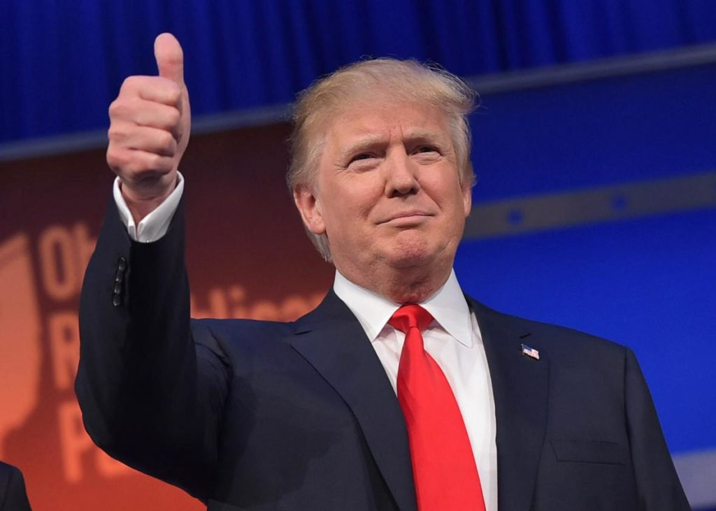 483208412-real-estate-tycoon-donald-trump-flashes-the-thumbs-up.jpg.CROP_.promo-xlarge2-1024x731