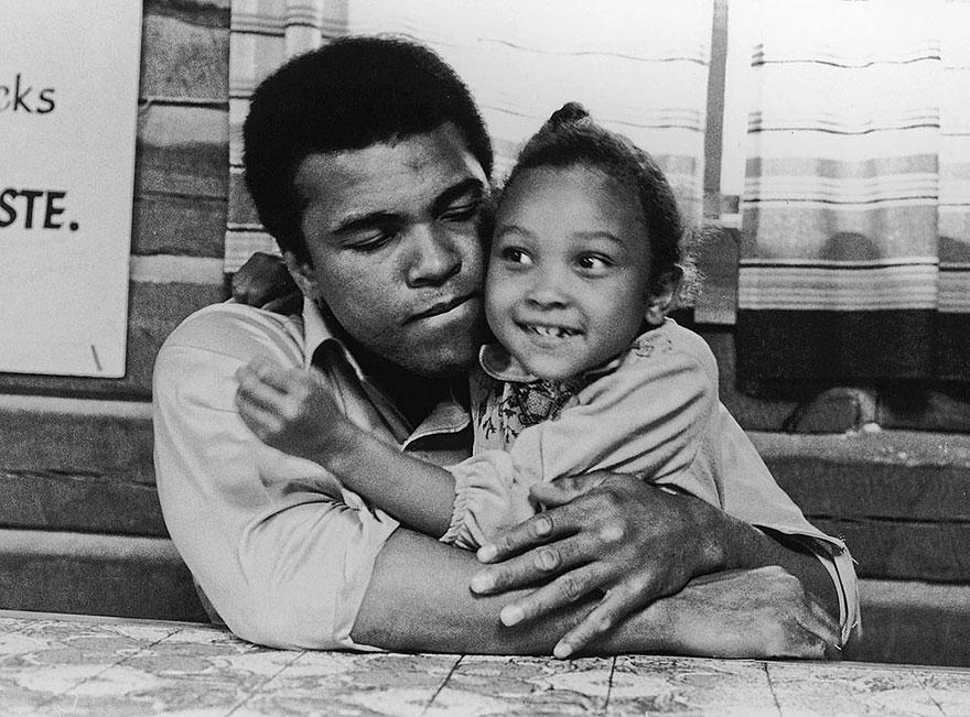 او وقت های مفید خود را با دخترش مریم سپری می کرد - 1974