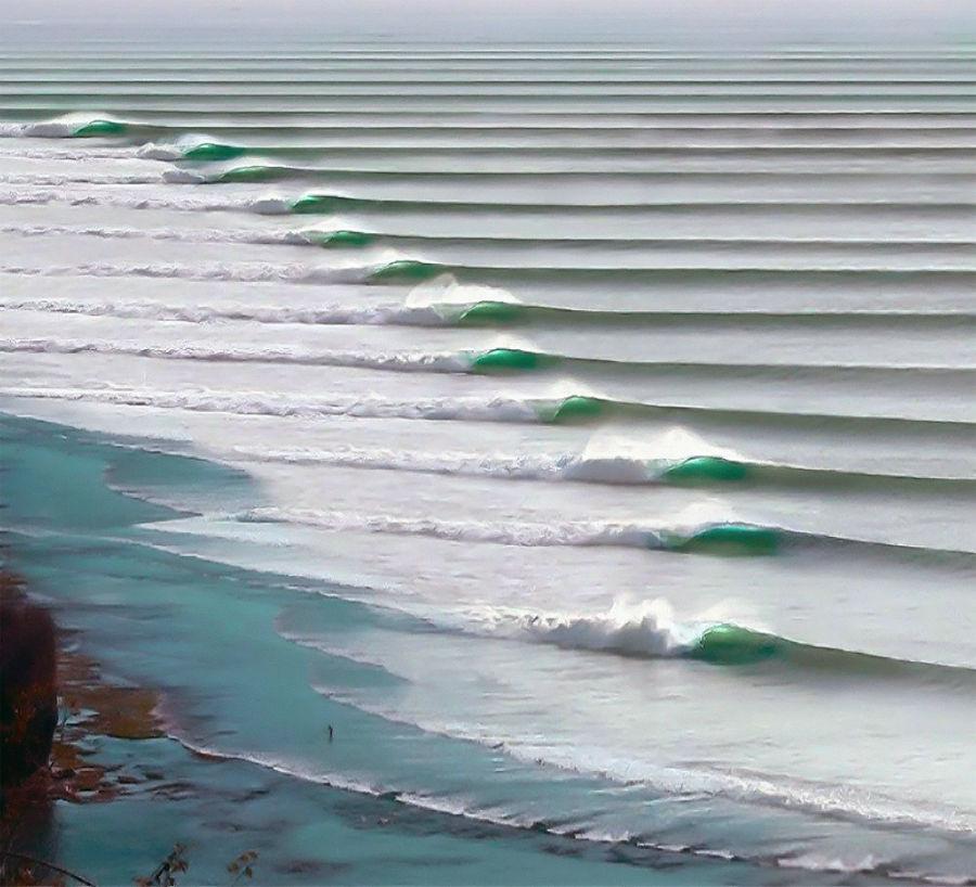 بلندترین امواج دنیا در پورتو چیکاما در پرو دیده می شود