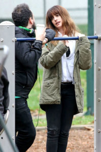 Anne-Hathaway--Filming-Colossal-Movie--01-w750