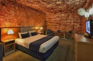 desert_cave_hotel-w750