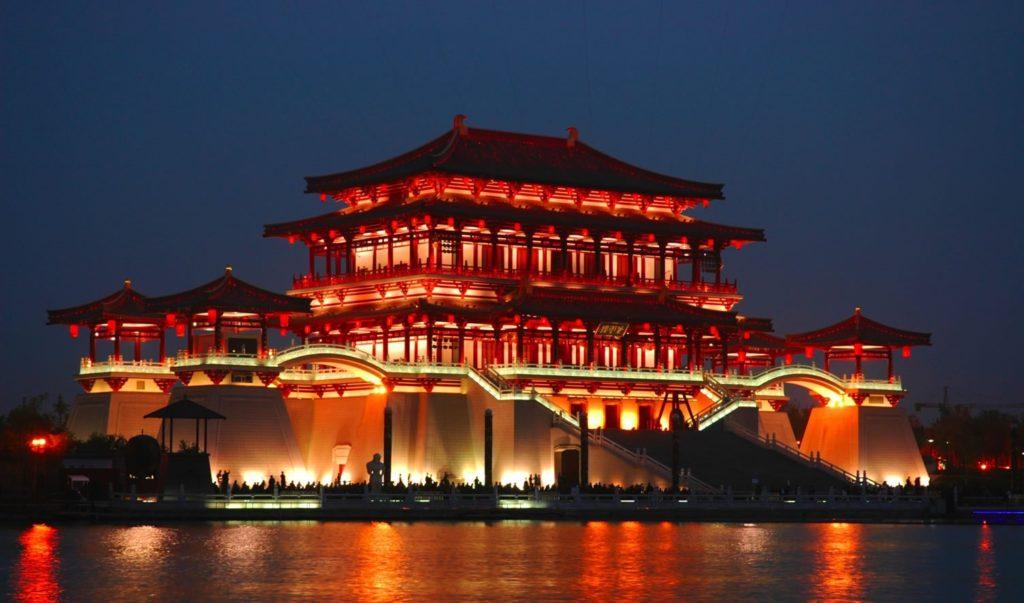 نگاهی از بالا به چین؛ وقتی یک پهپاد زیبایی های این کشور را به تصویر می کشد [تماشا کنید]