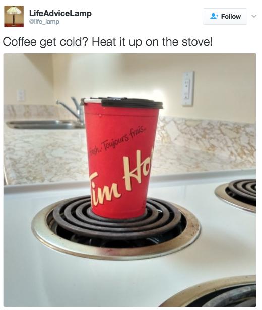 گرم کردن قهوه ای که سرد شده روی گاز