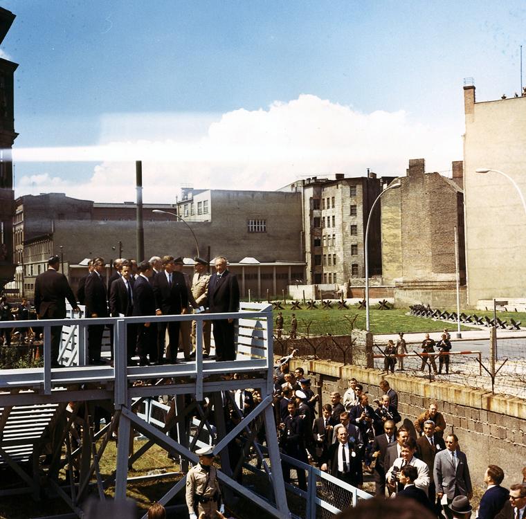 جان کندی در دیوار برلین - 1963