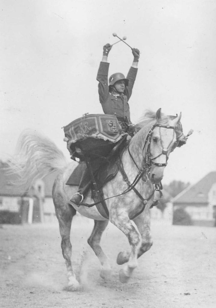 طبل نواز ارتش سواره نظام آلمان - 1930