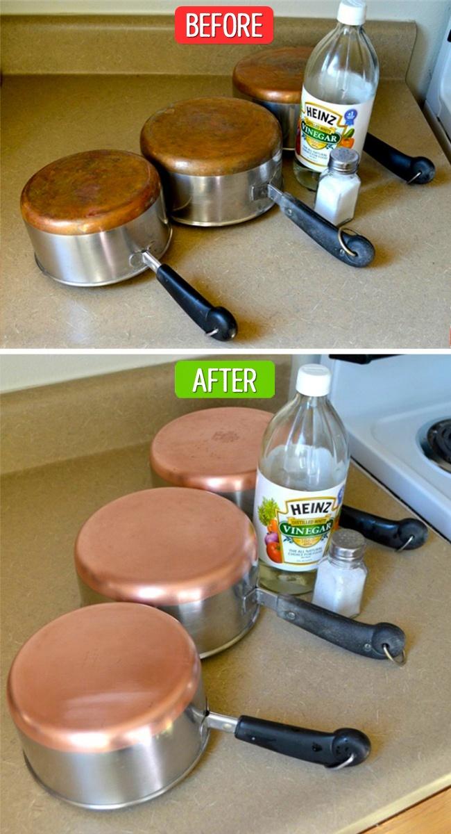 قابلمه های مسی با اینکه قیمت گرانی دارند اما بهترین وسیله برای پخت و پز به شمار می روند. به همین خاطر، برای اینکه ظروف قدیمی شما نونوار شده و دوباره سالم و نو به نظر برسند، لازم است از سرکه و نمک کمک بگیرید. فقط کافی است روی سطح قابلمه نمک پاشیده و سپس مقداری سرکه روی آن بریزید. سپس با اسکاچ سطح ظرف را بشویید.