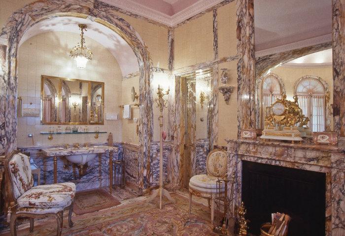 این خانه به قدری بزرگ هست که بتواند پذیرای همسر و فرزندان ترامپ در تعطیلات باشد.