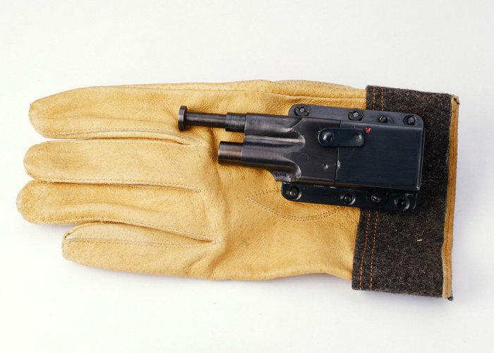 20 نمونه از عجیب ترین ابزارهای جاسوسی که تا به حال مورد استفاده قرار گرفته اند - روزیاتو