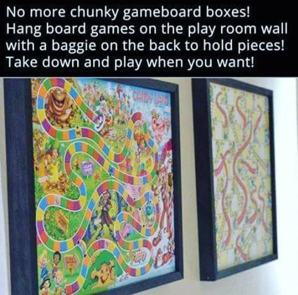 85- جعبه اسباب بازی ها را از دیوار آویزان کنید تا در فضای اتاق کودک صرفه جویی کرده و موجب خلوت تر دیده شدن آن بشوید.