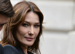 Carla-Bruni-Without-Makeup-w900-h600