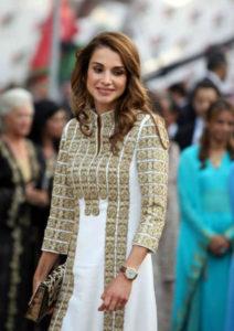 Queen-Rania-wearing-aennis-eunis-2-1-w900-h600