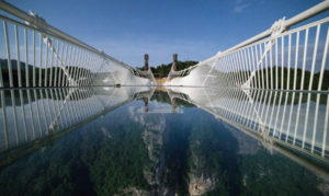 Zhangjiajie-Grand-Canyon-Glass-Bridge-Photography-1020x610-w900-h600