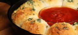 cheesy-garlic-bread-meatball-ring-FOUyHfDwJfA