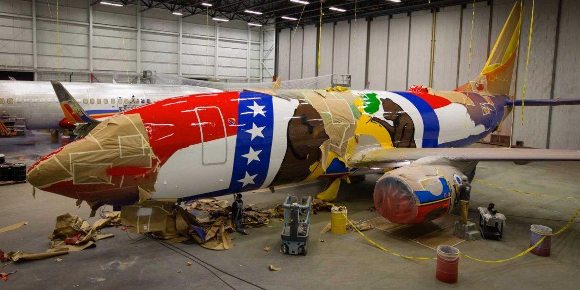 فرآیند رنگ کردن هواپیما های تجاری به چه صورت انجام می گیرد؟ [تماشا کنید-زیرنویس فارسی] - روزیاتو