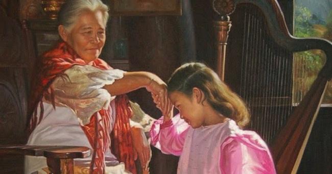 فیلیپینی ها یک رسم جالب به نام Mano دارند به این صورت که، دست بزرگ ترها را گرفته، به حالت تعظیم خم شده و به آرامی پیشانی خود را روی دست آن ها می گذارند.