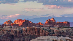 maze-district-canyonlands-national-park-utah.jpg.rend.tccom.966.544-w900-h600