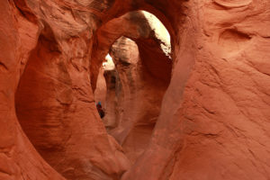 peek-a-boo-slot-canyon-escalante-w900-h600