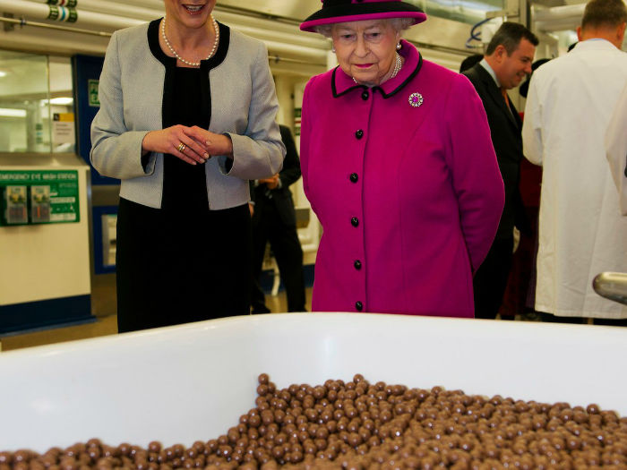 the-queen-also-adores-chocolate-whether-its-a-luxury-or-grocery-store-brand-w700