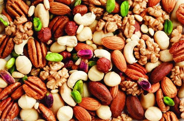 تغذیه نوروزی؛ از «بیماری های گوارشی» تا «رستوران های بین راهی»