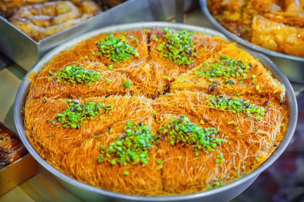 با لذیذترین و خوشمزه ترین دسرهای یونانی آشنا شوید