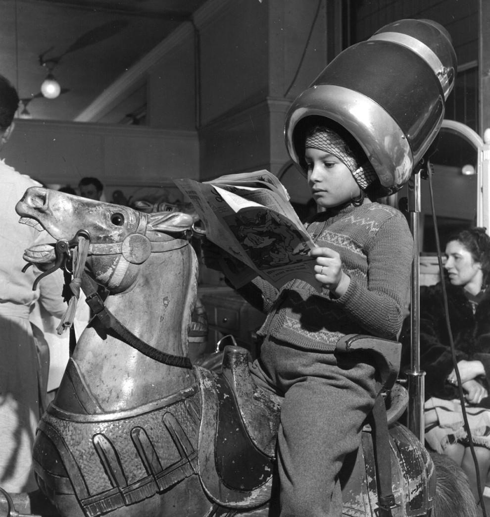 سشوار به شکل اسب - 1947
