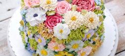 نگاهی به تصاویر کیک های بسیار زیبایی که به شکل شکوفه های بهاری تزئین شده اند