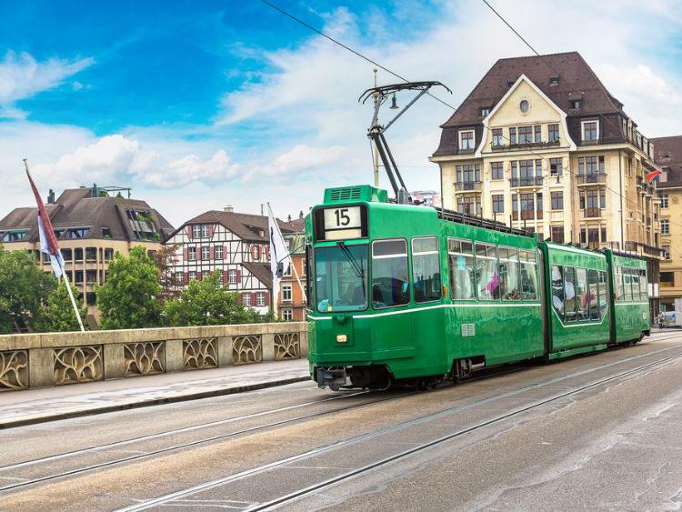 14-bern-switzerland--the-city-is-considered--w750