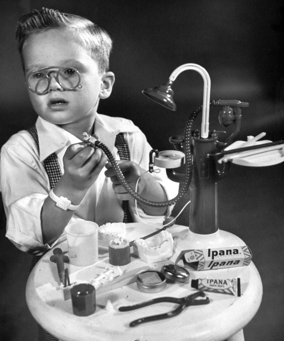 کیت دندانپزشکی با انبر - 1945