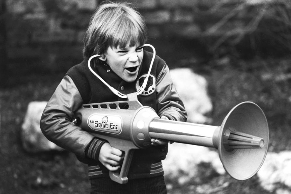 ابزار شنیداری صداهای بلند - 1979