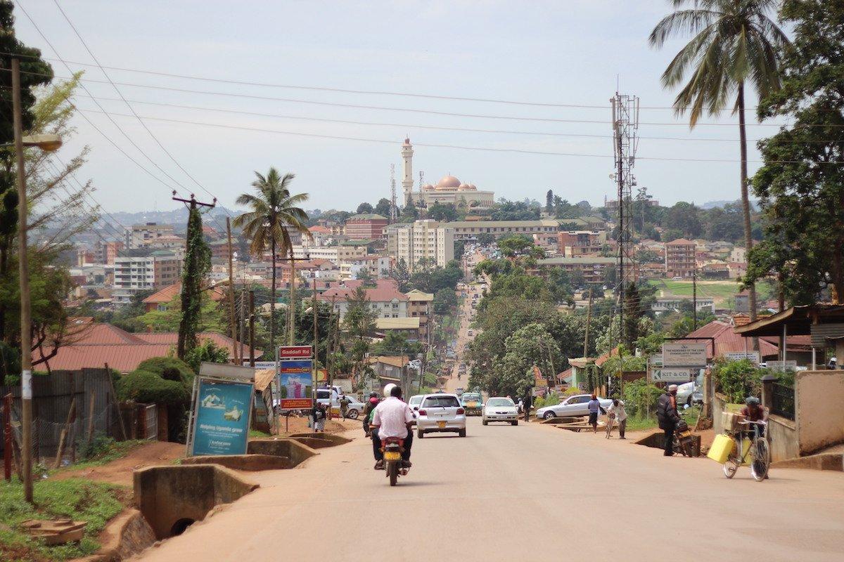 25-uganda--gdp-per-capita-2066-1685